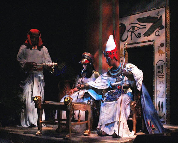 Spaceship Earth Pharaoh scene