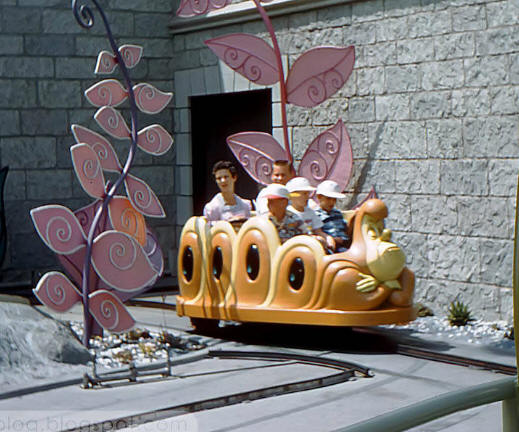 Alice in wonderland ride vehicle