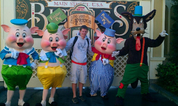 Three Little Pigs and Big Bad Wolf meet and greet