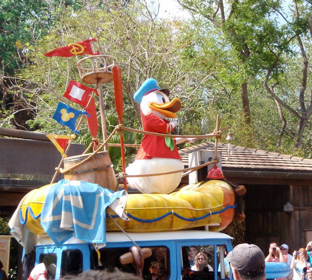 Donald Duck in parade