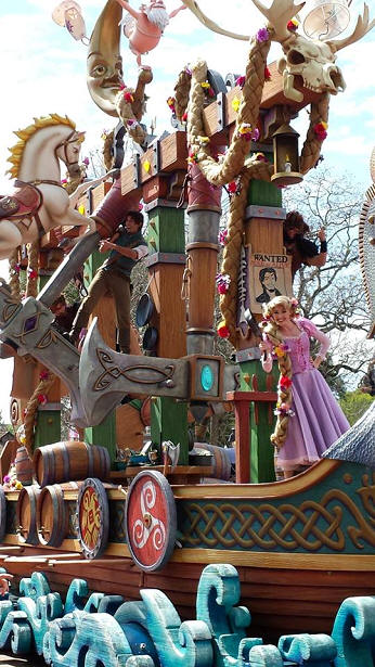 Tangled Float