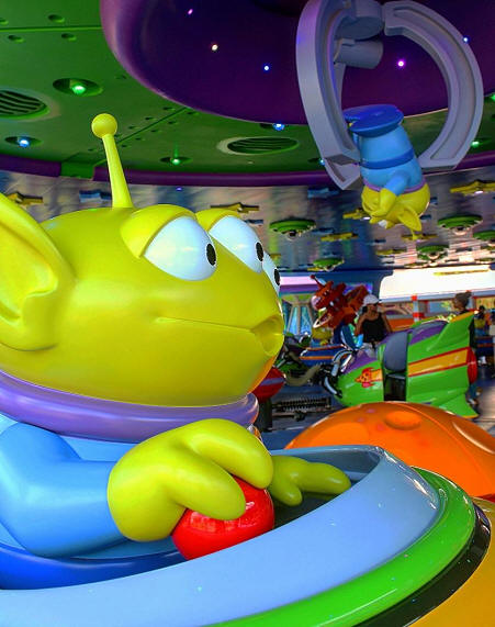 Alien Sqirling Saucers