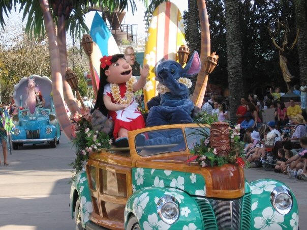 Disney Stars and Motor Cars parade - Lilo and Stitch