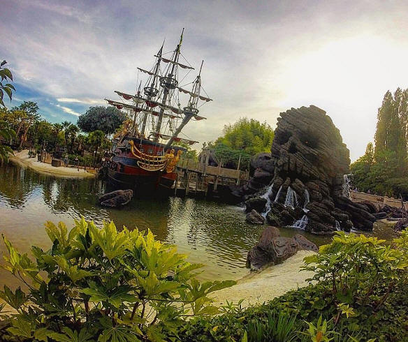 Adventure Isle Disneyland Paris