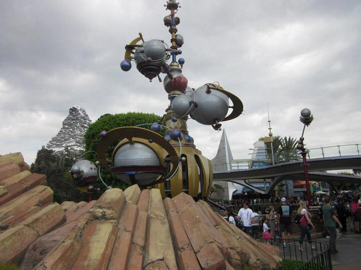 Picture of the Day Disneyland's Tomorrowland