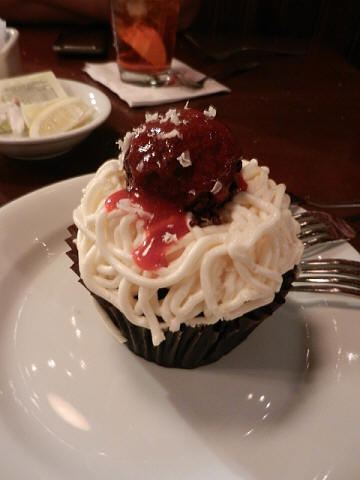 Spaghetti and Meatball Cupcake