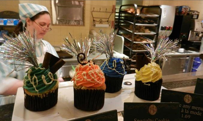 Walt Disney World Holiday Cupcakes