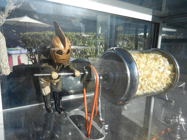 Rocketeer Popcorn Cart