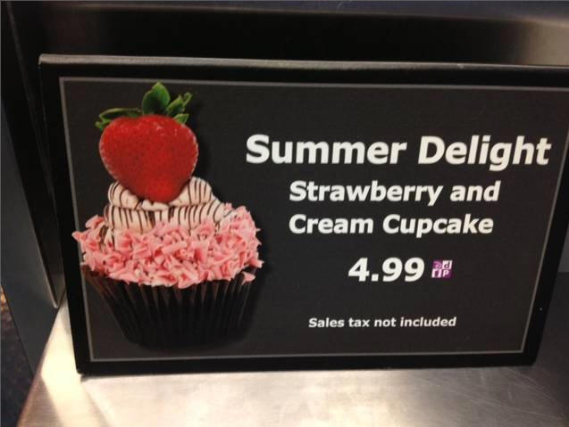 Strawberry Cupcake at Hollywood Studios